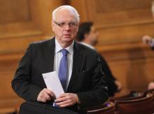 Агента на ДС Велизар Енчев иска закриване на Комисията по досиетата